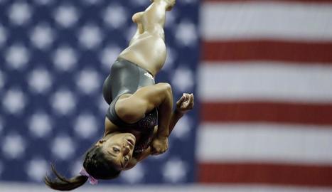 La gimnasta nord-americana, durant el seu exercici de terra en els campionats del seu país.