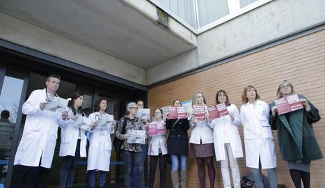 Facultatius protestant durant la vaga de metges del mes de novembre passat.
