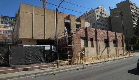 La nova clínica privada a l'antiga discoteca Systema agafa forma
