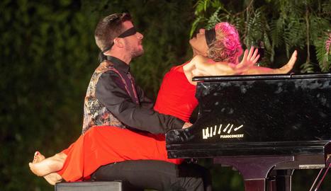 Sol Picó i Marc Mezquida, durant l'espectacle.