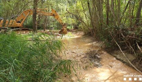 Denuncien una empresa per deixar sense aigua un riu a Gavet de la Conca