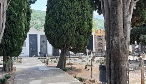 Vista del cementiri d'Organyà.
