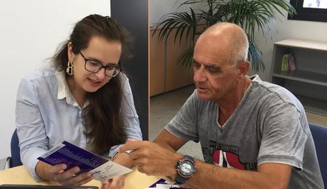 La regidora Elena Ferre i el president de la FAV, Toni Baró.
