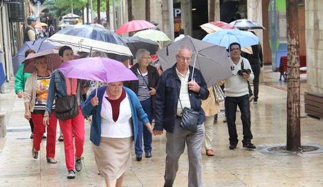 Pluja a Lleida en una imatge d'arxiu.