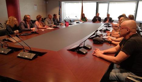 Imatge de la reunió de la direcció d'Iberia i dels treballadors.