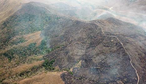 Incendi a Chapada dos Guimarães, a Mato Grosso (Brasil).