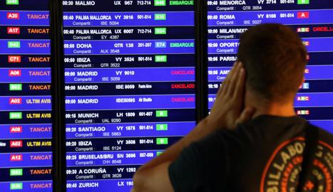 Iberia xifra en un 10% el seguiment de la vaga de personal de terra a l'aeroport del Prat