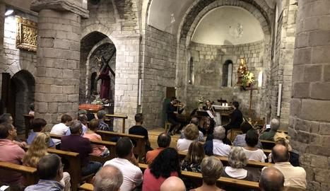 Més de 150 persones van anar al concert del trio de cordes.