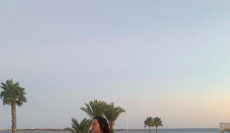 La Carolina, a Menorca, aliena a com acabarien les vacances.