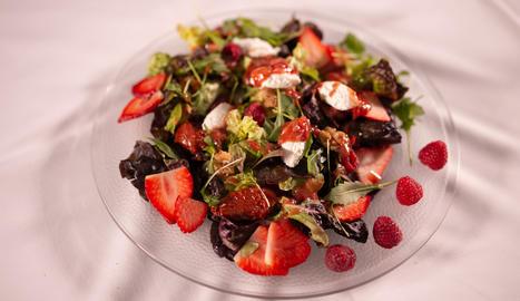 L'amanidad e fruites del bosc, ideal per obrir qualsevol àpat.