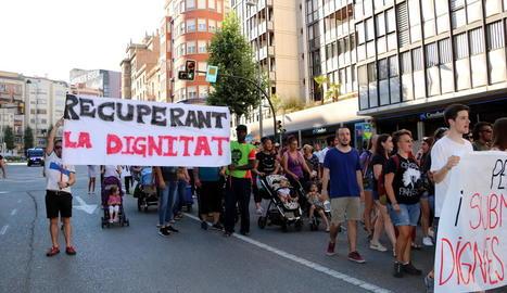 Mobilitzacions - La ciutat de Lleida ha acollit en reiterades ocasions protestes per reclamar mesures contra la pobresa energètica, com la manifestació de la imatge. Així mateix, tal com va publicar aquest diari, la Plataforma d'Afectats per l ...