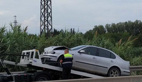 El choque ha provocado colas en la LL-11 en la entrada de Lleida.