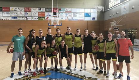 Les jugadores del Cadí la Seu es van exercitar ahir en una doble sessió programada al Palau d'Esports.