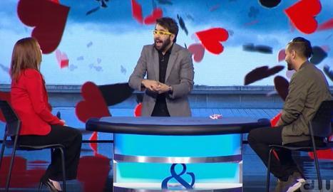 El mag lleidatà Pere Rafart sorprèn amb un truc de cartes en una televisió dels EUA