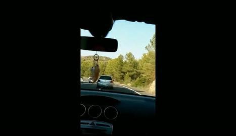Un 'frame' del vídeo del conductor temerari entre Flix i Maials.