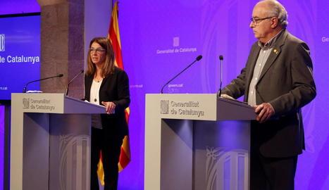 La consellera Budó i el conseller Bargalló en roda de premsa, el mes d'abril passat.