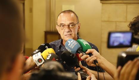 L'alcalde de Lleida, Miquel Pueyo, ha fet una declaració als mitjans de comunicació.