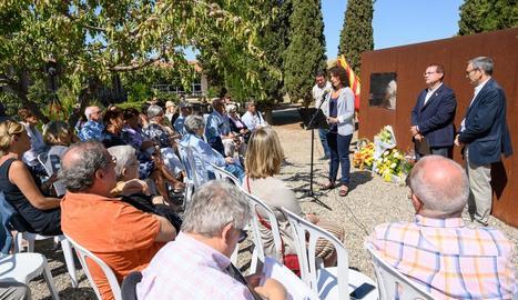 Cervera va homenatjar ahir les víctimes de la Guerra Civil enterrades a la fossa comuna.