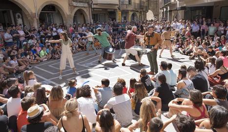 La percussió i l'energia del grup de Cervera Sound de Secà amb el muntatge 'Possê' va ser ahir un dels espectacles més aplaudits i multitudinaris.