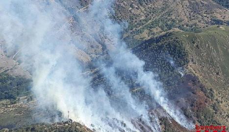 Una gran columna de fum podia observar-se des de diversos quilòmetres de distància.