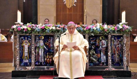 L'abat Josep Maria Soler, durant l'homilia d'ahir, descarta dimitir del seu càrrec.
