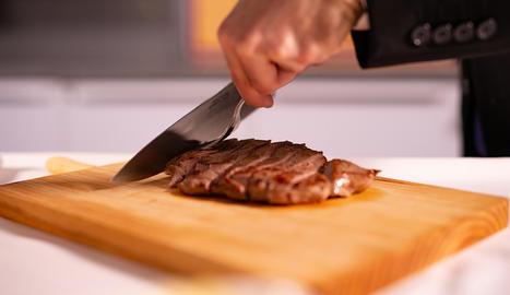 La carn de poltre es caracteritza per un baix contingut en greixos, un valor proteic elevat i una gran riquesa en ferra.