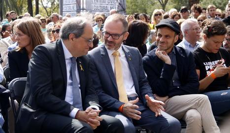 L'acte d'Òmnium amb Quim Torra, Josep Costa i Jaume Asens.