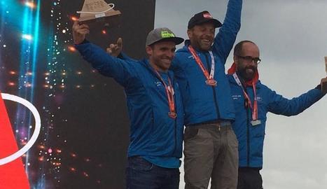 Albert Herrero, primer per la dreta, al podi al costat de l'italià Mattiato i el suís Russi.