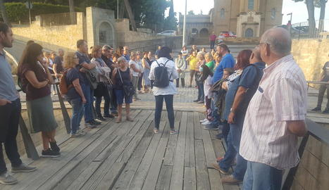 Els participants en la jornada van visitar el Castell Formós.