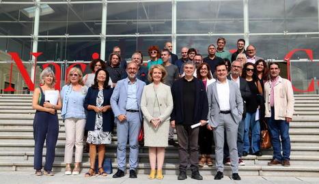 La consellera de Cultura, Mariàngela Vilallonga, i Albertí van presentar la nova gira del TNC ahir.