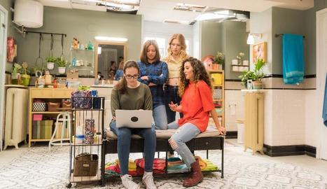 Les quatre estudiants que protagonitzen la sèrie, que es repetirà els dimecres.