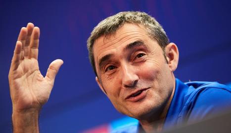 Valverde fa un gest ahir durant la roda de premsa.