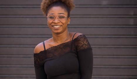 """Aicha D Kobina: """"Sóc instintiva i no faig patrons perquè les meues peces són úniques"""""""