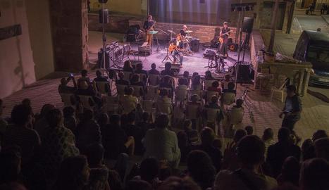 Mayora va haver de tallar el concert després de la segona cançó.