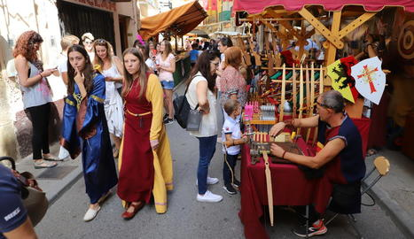 La plaça del Mercadal va acollir ahir la presentació de l'Infant Pere.