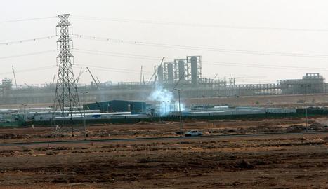 Imatge d'una instal·lació petrolífera a l'Aràbia Saudita.