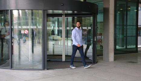 Josep Miquel Arenas, Valtònyc, a la sortida del tribunal de Gant que decideix sobre la seua extradició.