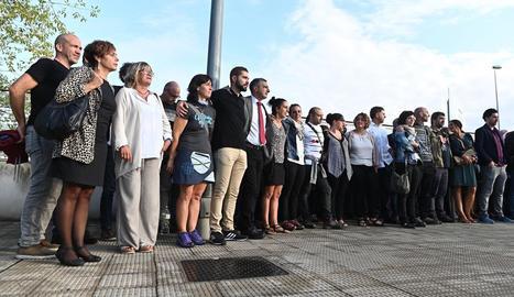 Els lletrats del 'front de presons d'ETA' que van anar ahir a l'Audiència Nacional per ser jutjats.