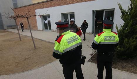 Agents dels Mossos d'Esquadra en una imatge d'arxiu.