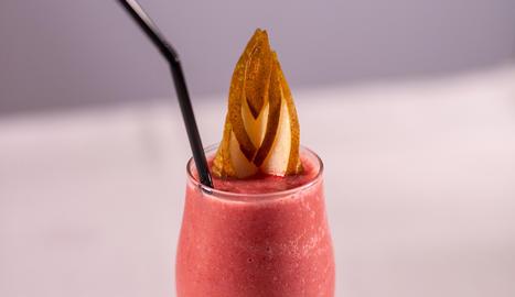 El cafè amb fruits vermells són unes postres fàcils de fer i molt refrescants.