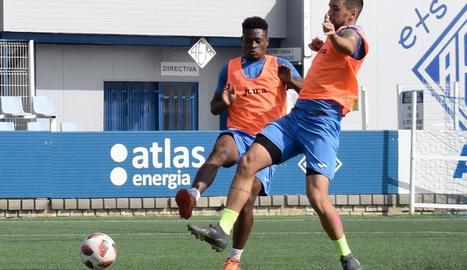 La plantilla del Lleida Esportiu es va exercitar ahir a les instal·lacions de l'AEM.