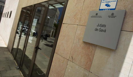 El detingut va passar a disposició del jutjat de Gavà.