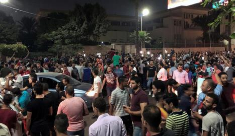 Centenars de manifestants van desafiar el president Al-Sisi.