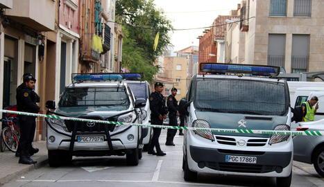 Dotacions de la Guàrdia Civil en un dels escorcolls a Sabadell.
