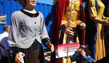Els gegants del Grup Cultural Garrigues.