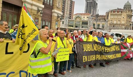 Els pensionistes, a l'inici de la marxa fins a Madrid.