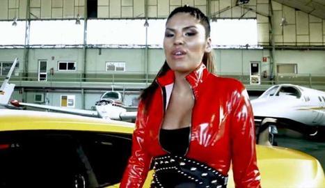 Isa P. al seu videoclip promocional.