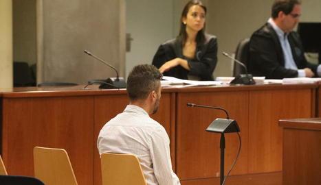 L'acusat, ahir, durant el judici celebrat a l'Audiència Provincial de Lleida.