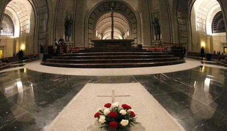 Tomba del dictador Francisco Franco, al Valle de los Caídos.