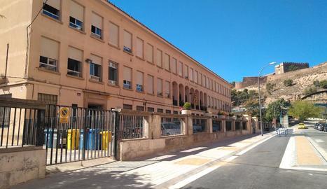 La vorera ampliada davant l'institut Màrius Torres.